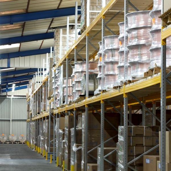 Striking Metal Shelving Design To Increase Your Storage Space: Pallet Storage In Warehouse Storage
